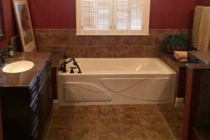 Benefits Of Replacing Your Plumbing During A Bathroom Remodel