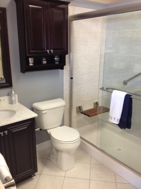 Space saving bathroom design for Space saving bathroom layouts