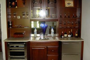 Four Tips For Choosing A Kitchen Cabinet Color