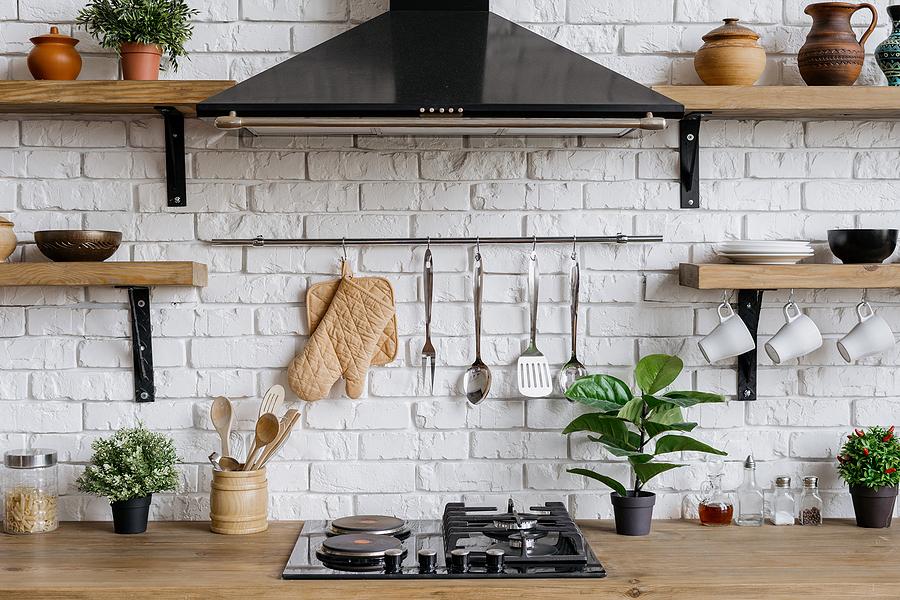 Kitchen Renovations: 3 Reasons To Get A Range Hood