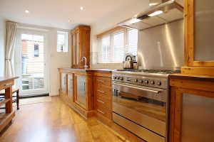 Contractor Kitchen Cabinets: 3 Features To Put In Your Kitchen