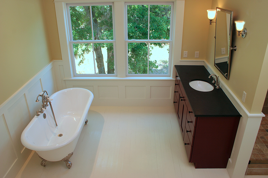 Bathroom And Kitchen Remodeling Companies Using Wainscotting